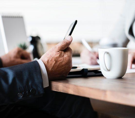 Без стикеров и селфи – обзор IP-телефонии для серьёзного бизнеса