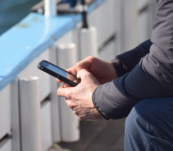 Продажи смартфонов упали