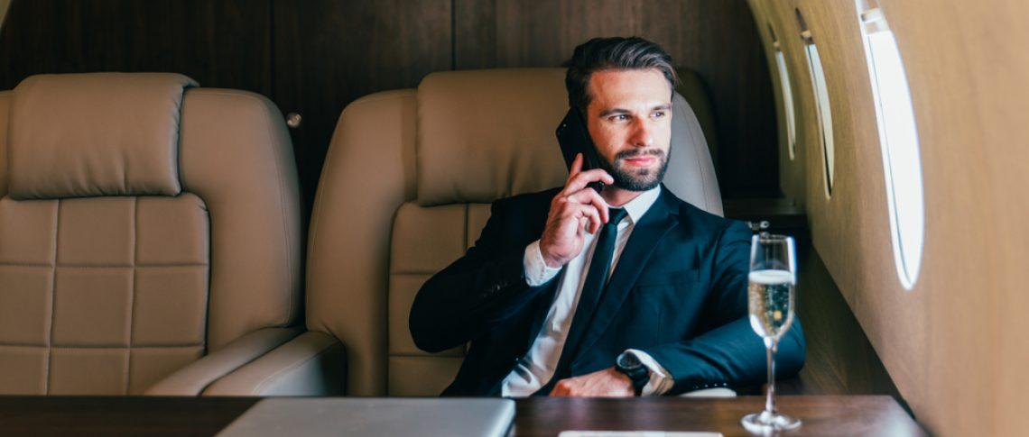 Почему нельзя делать звонки в полете? Это же не опасно