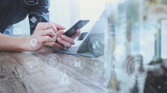 Поединок телефонных гигантов в весе для бизнеса